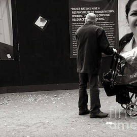 Miriam Danar - Man with Baby Carriage and Pigeon - New York