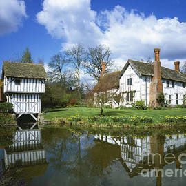 Medieval Manor House by Paul Felix