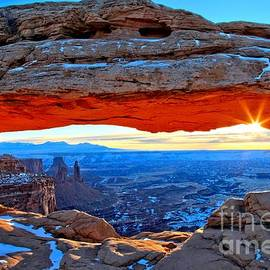Mesa Arch Sunrise by Adam Jewell