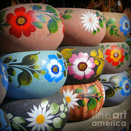 Karyn Robinson - Mexican Pottery in Old Town