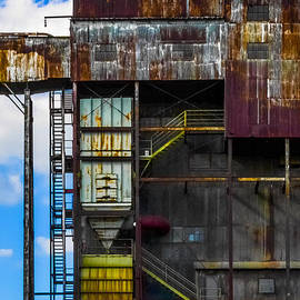 Midland Grain Elevator 3 by Bill Kishonti
