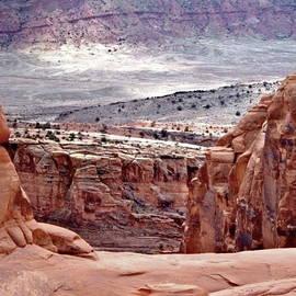 Rona Black - Moab