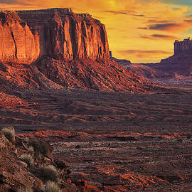 Priscilla Burgers - Monument Valley Sunrise