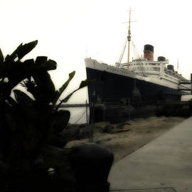 Morning Fog Queen Mary Ocean Liner 10 by Thomas Woolworth