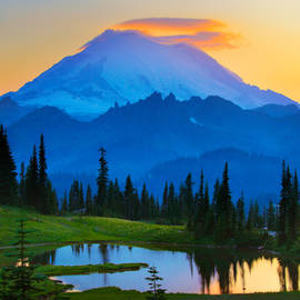 Inge Johnsson - Mount Rainier Goodnight