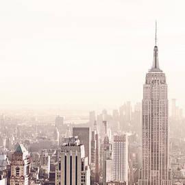 Vivienne Gucwa - New York City - Empire State Building