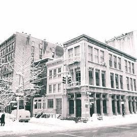 Vivienne Gucwa - New York City - Snow in Soho