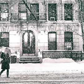 Vivienne Gucwa - New York City - Snowy Night in Midtown