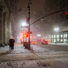 Vivienne Gucwa - New York City Winter - Romance in the Snow