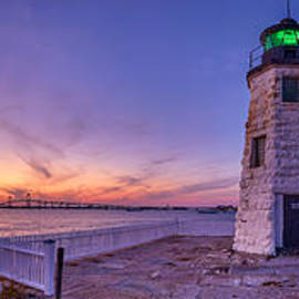 Scott Lynde - Newport Harbor Light at Sunset
