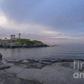 Steven Ralser - Nubble Lighthouse