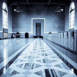 Pete Edmunds - Old Ticketing Hall - Union Station - Monochrome