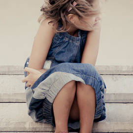 Georgina Noronha - On the stairs