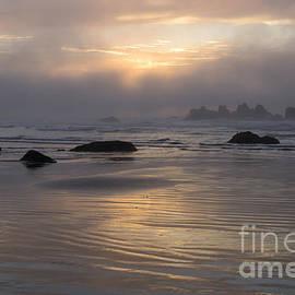 Oregon coast Sunset by Inge Riis McDonald