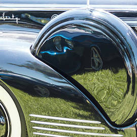 Studio Janney - Packard with Reflections