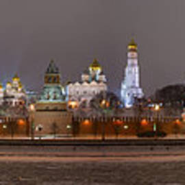 Alexander Senin - Panoramic view of Moscow river and Moscow Kremlin In Wintertime