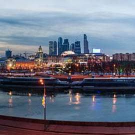 Alexander Senin - Panoramic View Of Moscow River - Kiev Railway Station And Square Of Europe - Featured 3