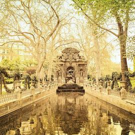 Vivienne Gucwa - Paris - Medici Fountain - Garden of Luxembourg