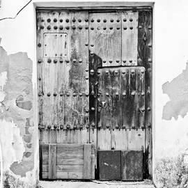 Calvin Hanson - Patchwork Door of Extremadura BW