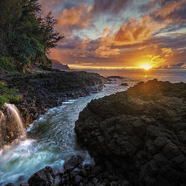 Hawaii  Fine Art Photography - Pathway to the Pacific
