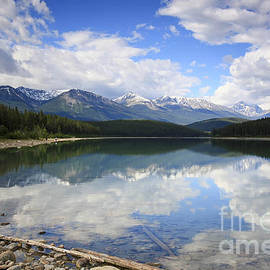Teresa Zieba - Patricia Lake Jasper National Park