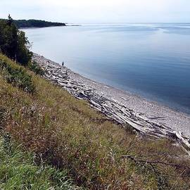 Janet Ashworth - Pebble Beach on Lake Superior