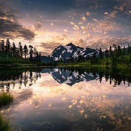 Dan Mihai - Picture Lake Awakening