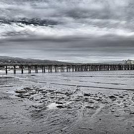 Scott Hill - Pier On The Bay