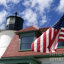 Laurie Eve Loftin - Point Betsie Lighthouse with Flag
