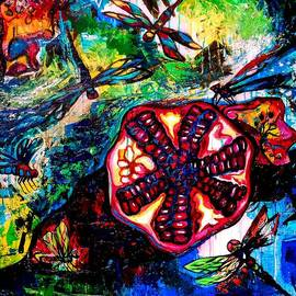 Genevieve Esson - Pomegranate and Six Dragonflies