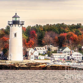 Deena Athans - Portsmouth Harbor Lighthouse