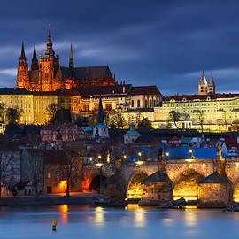 Prague city castle by Milan Gonda