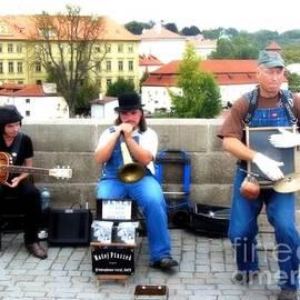 Lisa Kilby - Prague Street Performers