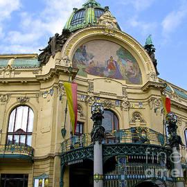 Don Kenworthy - Prague Theatre
