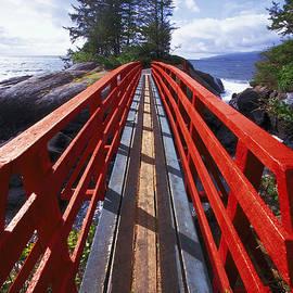 Kim Lessel - Red Bridge to Nowhere