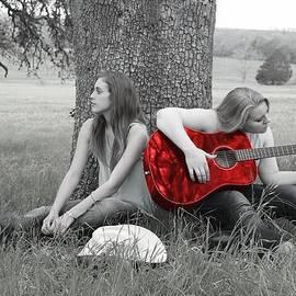 Delilah Downs - Red Guitar
