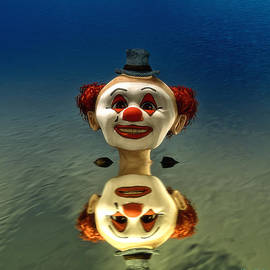 Ramon Martinez - Reflection of a Clown