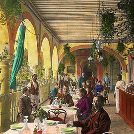 Mike Savad - Restaurant - Waiting for service - 1890
