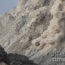 Rockfall On Flank Of Rerombola Lava by Richard Roscoe