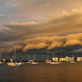 HH Photography of Florida - Rolling Thunder - Clouds