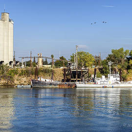 Sacramento River Scene by Jim Thompson