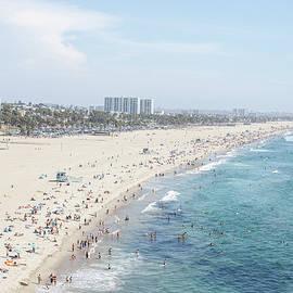 Santa Monica Beach by Tuan Tran