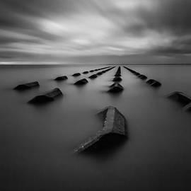 Gerard Pearson - Sea Breakers
