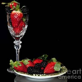 Shirley Mangini - Serve up the Berries