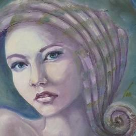 Shell portrait by Violetta Tar
