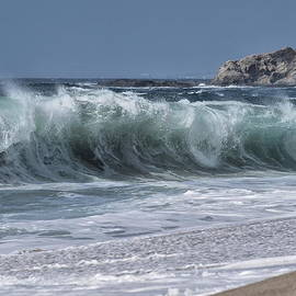 Shorebreak at Aliso Beach by Richard Cheski