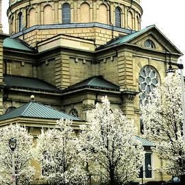 Karen  Majkrzak - Spring at the Basilica