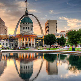 Gregory Ballos - St. Louis Skyline Morning Reflections