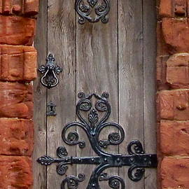 Denise Mazzocco - St  Magnus Cathedral Door