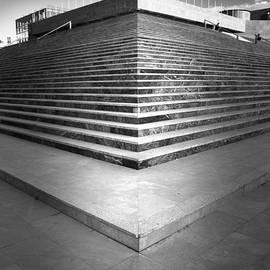 Guido Montanes Castillo - Stairways To Heaven